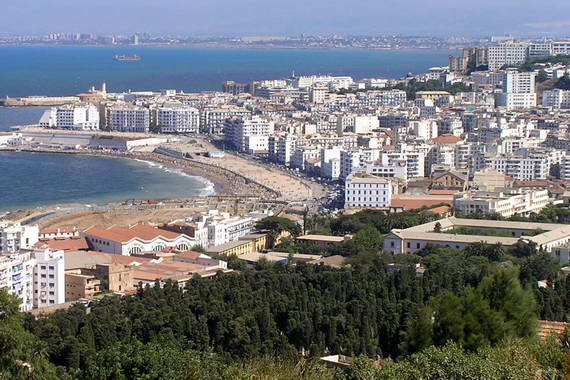 Reisef hrer algier algerien entdecken sie algier mit for Aquafortland alger piscine